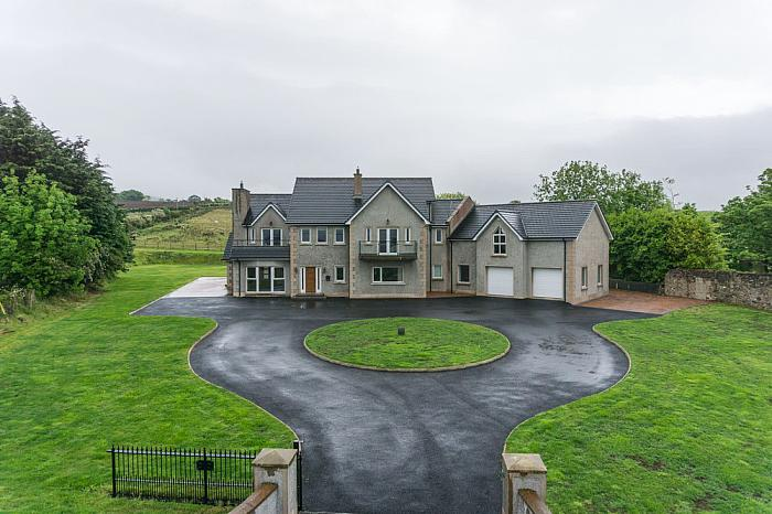 100A Hillside Road, Ballymoney